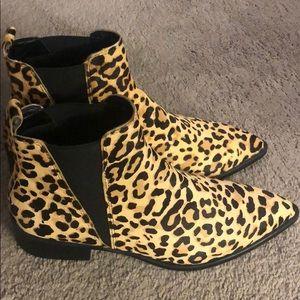 Steve Madden cheetah booties size 9